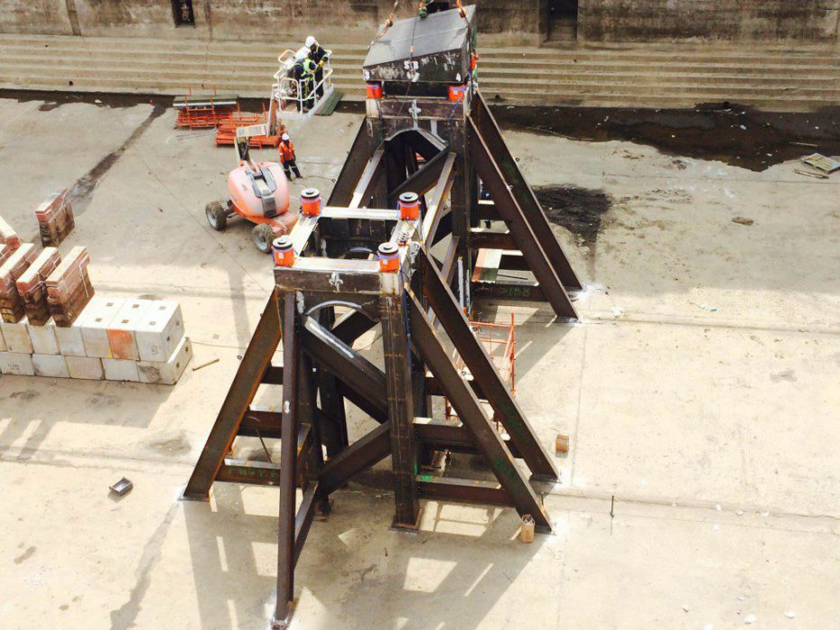 Saipem Eni FDS2 - Telescopic Docking Blocks - 4000t capacity_1